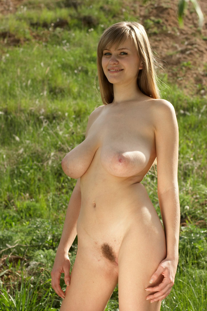 Models heavy nude